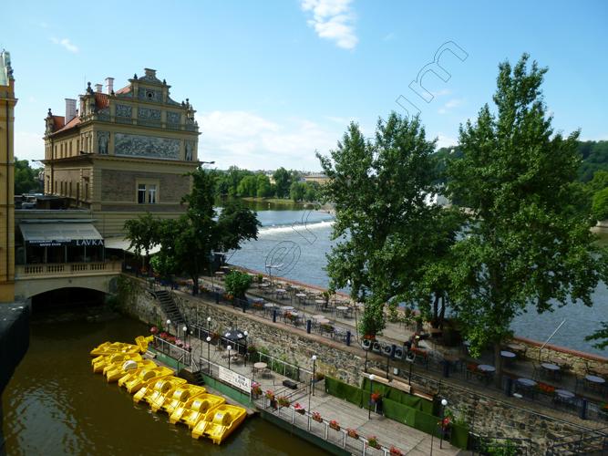 12praga-12-vltava-moldava-river-czech-copy