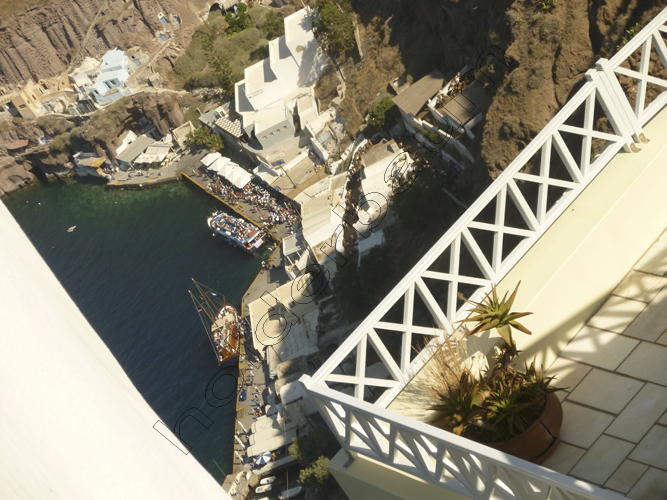 39thira-39-santorini-greece