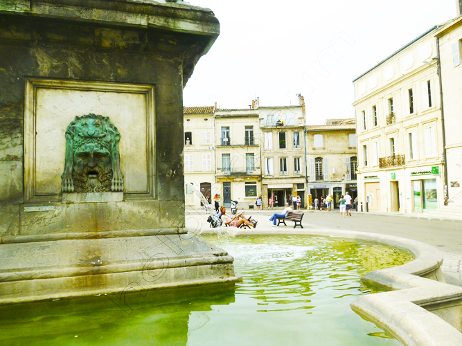 a7arles-7-provence-france