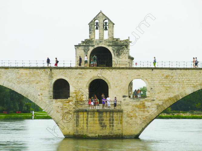 b6avignon-6-pont-saint-bc3a9nc3a9zet-provence-france