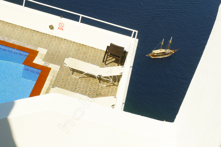 42thira-42-santorini-greece